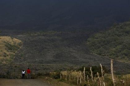 Una zona agrícola cubierta de cenizas en El Rodeo (REUTERS/Josue Decavele)