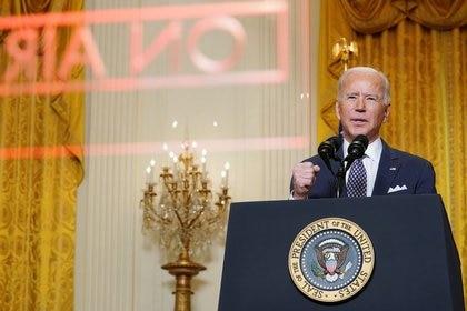 Foto del viernes del Presidente de EEUU, Joe Biden, hablando de manera virtual en la Conferencia de Seguridad de Múnich desde la Casa Blanca. (REUTERS/Kevin Lamarque)