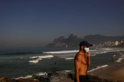 COVID-19: Brasil registra récord de muertes en un sólo día