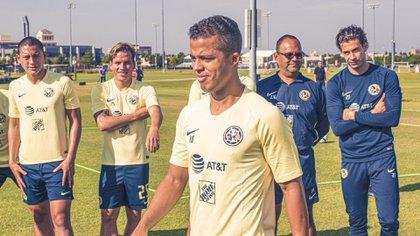 Giovani Dos Santosestará rodeado de un cuerpo técnico que lo conoce gracias a su participación en selección mexicana.(Foto: Cortesía Club América)