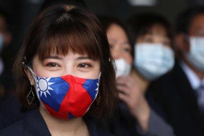 Por la gran circulación constante de gente entre la isla y China continental, las autoridades de Taiwán se inclinaron por un método no tradicional de cuarentena. (REUTERS/Ann Wang)