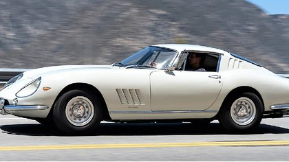Otra subasta suculenta en la web: 3,08 millones de dólares por la Ferrari 275 GTB Long Nose de 1966.