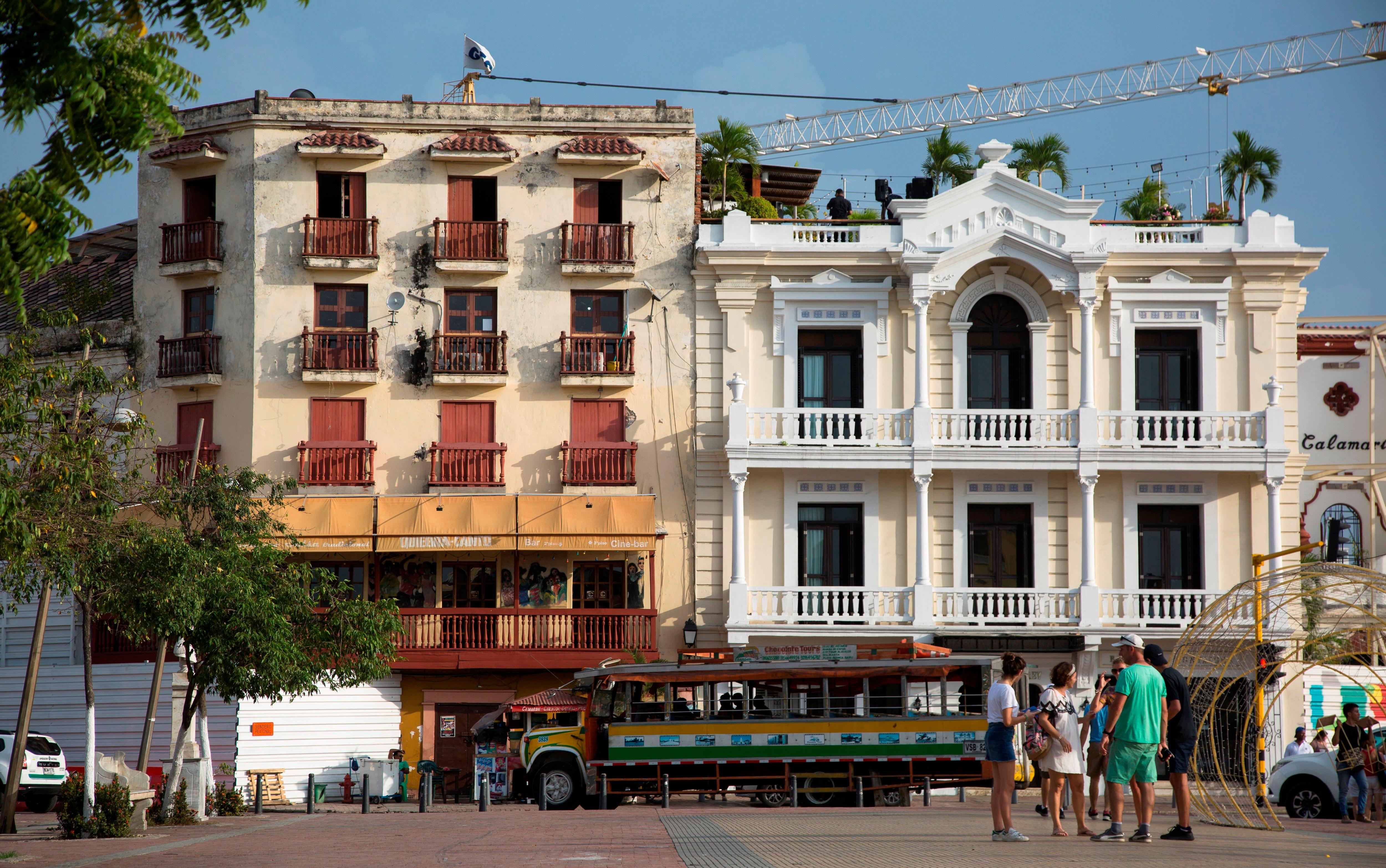 Fotografía que muestra dos edificaciones del histórico barrio de Getsemaní, en Cartagena de Indias (Colombia). EFE/Ricardo Maldonado Rozo/Archivo