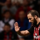 AC Milan's Argentinian forward Gonzalo Higuain reacts during the Italian Serie A football match AC Milan vs Roma on August 31, 2018 at the 'San Siro Stadium' in Milan. / AFP PHOTO / MARCO BERTORELLO