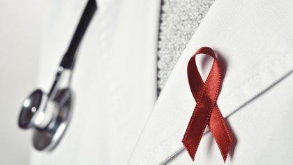 Además de llamar la atención sobre la importancia creciente de las enfermedades no transmisibles, el estudio de IHME expone un riesgo sustancial de que la mortalidad por VIH/SIDA repunte, lo que podría deshacer los aumentos recientes en la esperanza de vida en varias naciones del África subsahariana.