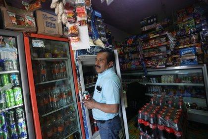 Antes de esta crisis, el Gobierno había previsto recaudar en 2020 USD 15,000 millones en impuestos a las bebidas alcohólicas (Foto: EFE/ Sáshenka Gutiérrez)