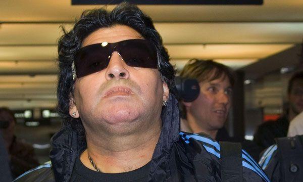 Maradona pasó en los últimos años por diversos tratamientos, intervenciones quirúrgicas e inclusive estuvo al borde la muerte en el año 2000