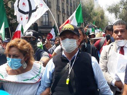 FRENAAA llegando a la Plaza de la Constitución en la CDMX (Foto: Twitter / @OficialFrenaaa)