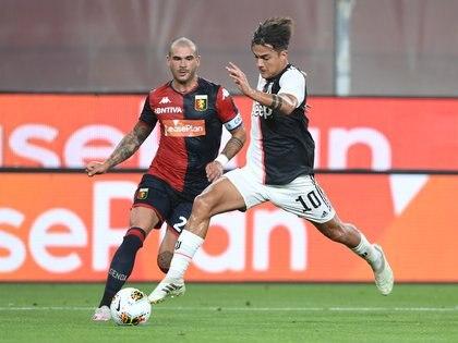 Paulo Dybala, a pesar de ser un joven deportista y uno de los delanteros más destacados del Juventus, afirmó sentir fatiga y disminución de su capacidad respiratoria post COVID-19 (REUTERS/Jennifer Lorenzini)