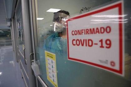 Autoridades del ministerio de Salud de Chile cifraron en 4.406 los nuevos contagios de COVID-19 (REUTERS/Ivan Alvarado)