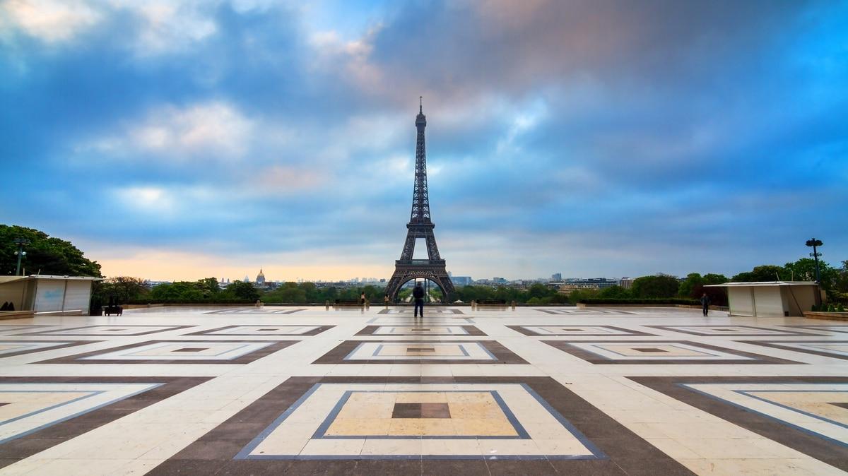 huelga en la torre eiffel turistas decepcionados lamentan el