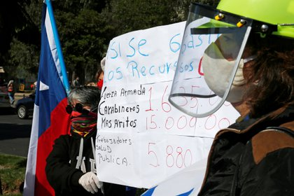 Trabajadores sanitarios reclaman por insumos de protección médica en Viña del Mar (Reuters)