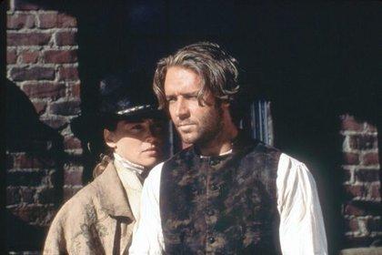 """En 1995, Russell Crowe solo había participado en películas de Australia. En esta fotagrafía está junto a Sharon Stone, la actriz que luchó por él para que sea parte de la película """"Rápida y """"Mortal"""""""