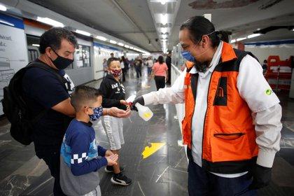 Las medidas de mitigación y prevención comenzaron un par de semanas antes, recordaron las autoridades sanitarias mexicanas (Foto: Gustavo Graf/ Reuters)