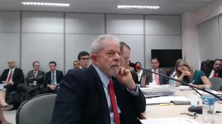 Lula da Silva declarando ante la justicia