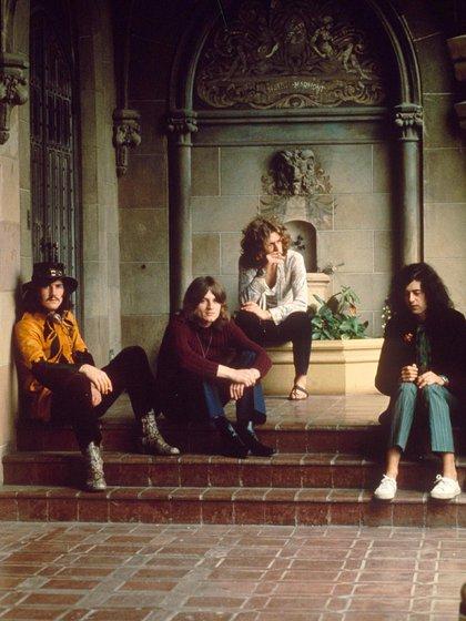 Led Zeppelin volvería a tocar en Estados Unidos luego de tres años, pero la muerte de Bonham decretó la disolución del grupo. (Shutterstock)