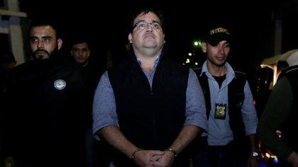 El ex gobernador de Veracruz Javier Duarte tras su detención en Guatemala el 15 de abril de 2017 (REUTERS/Danilo Ramirez)