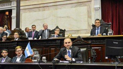 Martin Guzman exponiendo en el Congreso sobre la renegociacion de la deuda