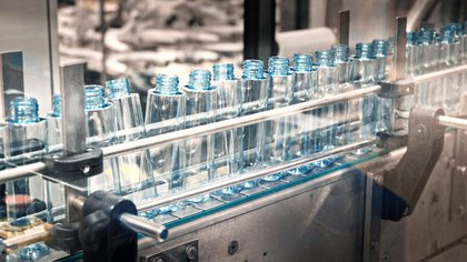 Los frascos para rellenar con alcohol en gel de L'Oreal