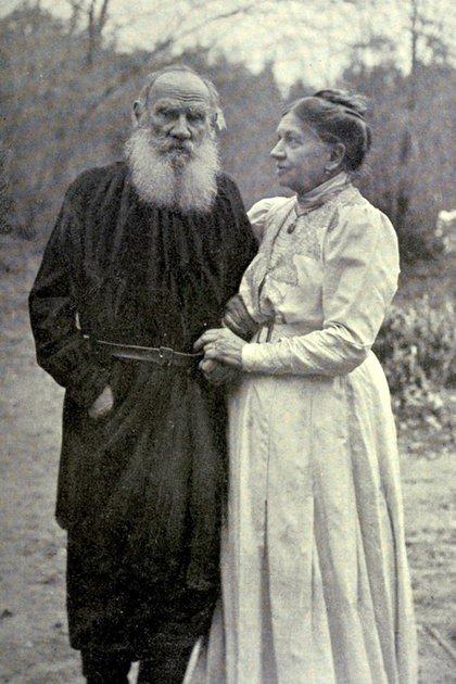 Tolstói y su esposa Sofía Behrs