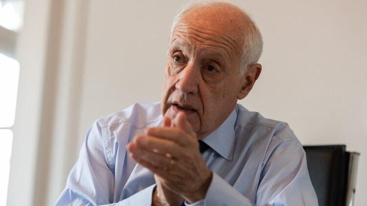 El precandidato presidencial Roberto Lavagna (Adrian Escandar)