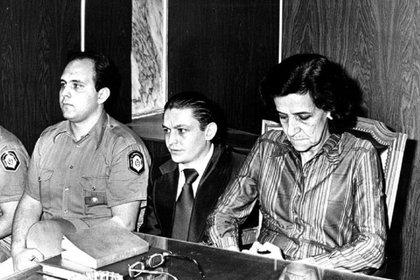 Durante el juicio en 1980. Lo condenaron a cadena perpetua con reclusión por tiempo indeterminado.