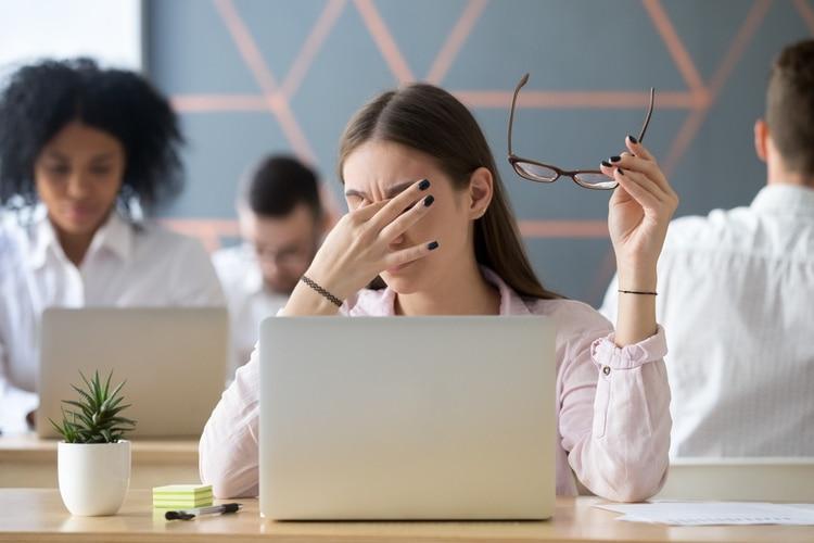 les faltan las dotes sociales que un líder necesita para inspirar y motivar (Shutterstock)