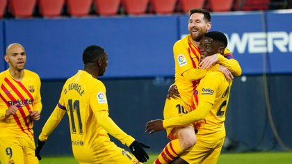 Soccer Football - La Liga Santander - Osasuna v FC Barcelona - El Sadar Stadium, Pamplona, Spain - March 6, 2021 Barcelona's Ilaix Moriba celebrates scoring their second goal with Lionel Messi, Ousmane Dembele and Martin Braithwaite REUTERS/Vincent West