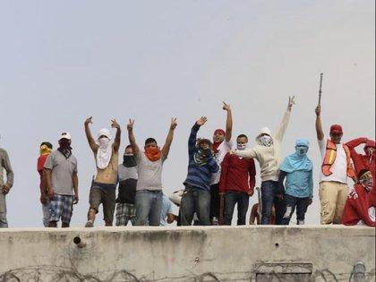 Hace dos meses los presos de dos cárceles de Nuevo León se manifestaron (Foto: @victormtzlucio)