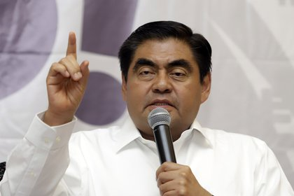 Luis Miguel Barbosa, gobernador, defendió que la Ley de Educación avanzada (Foto: Mireya Novo/Cuartoscuro)