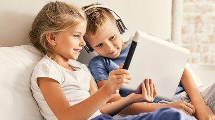 El juego y las actividades al aire libre son irreemplazables en cualquier etapa del desarrollo (Shutterstock)