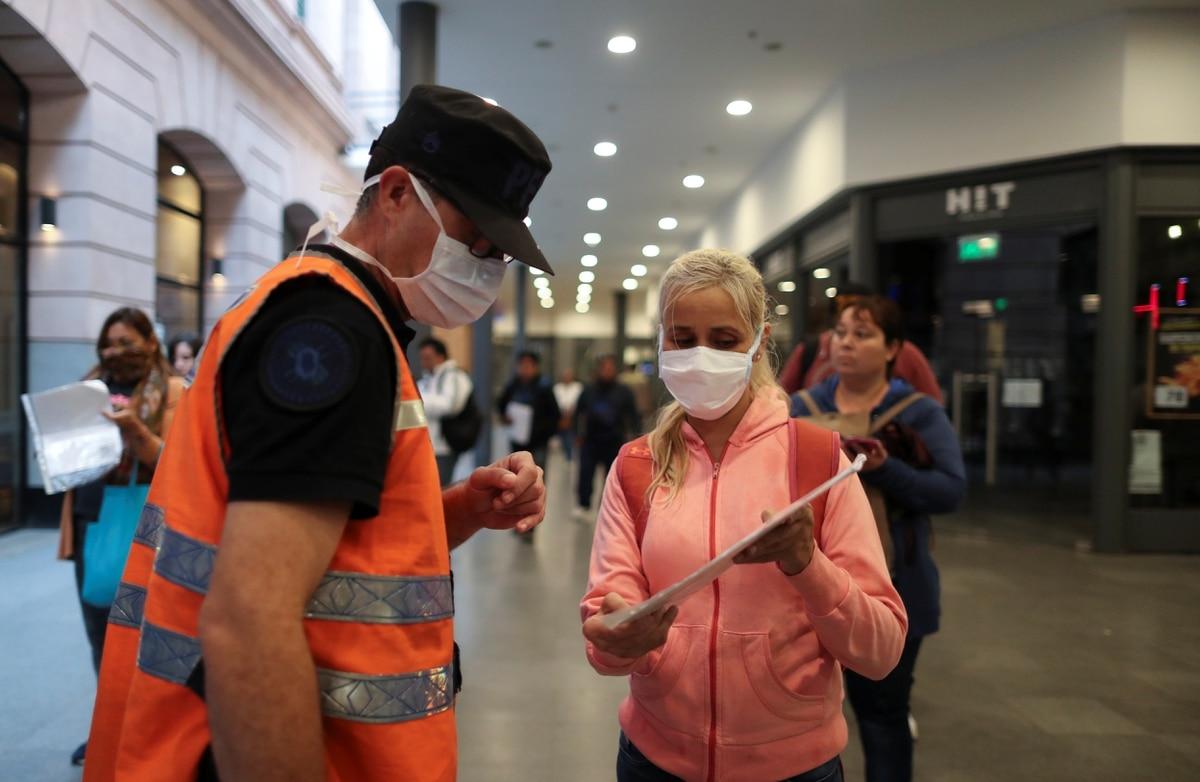 Confirmaron que ya son 42 las víctimas fatales por coronavirus en la Argentina - Infobae