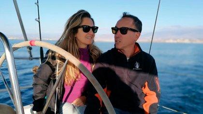 Silvina y Jorge viven en su velero, el Antares.