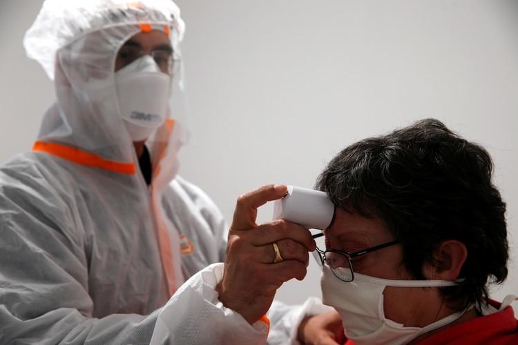 El gobierno de EEUU evalúa testear a los viajeros procedentes del exterior (REUTERS/Pascal Rossignol)