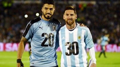 Así posaron Suárez y Messi en un partido por Eliminatorias Sudamericanas