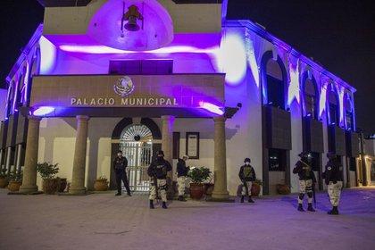 Según medios locales, Zacarías fue asesinado frente al Palacio Municipal (Foto: OMAR MARTÍNEZ /CUARTOSCURO)