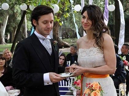 Gaetani y Vicuña como Mercedes Leiva y Benicio Echagüe en Herederos de una venganza