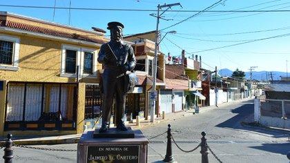 Estatua en Tangamandapio en homenaje a Jaimito, el cartero: (Foto: Google Maps)