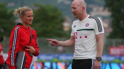 El exfutbolista se ha desempeñado como líder del equipo desde 2012 y es una fuente permanente de consulta para los miembros del equipo (sitio web oficial del FC Bayern Munich)