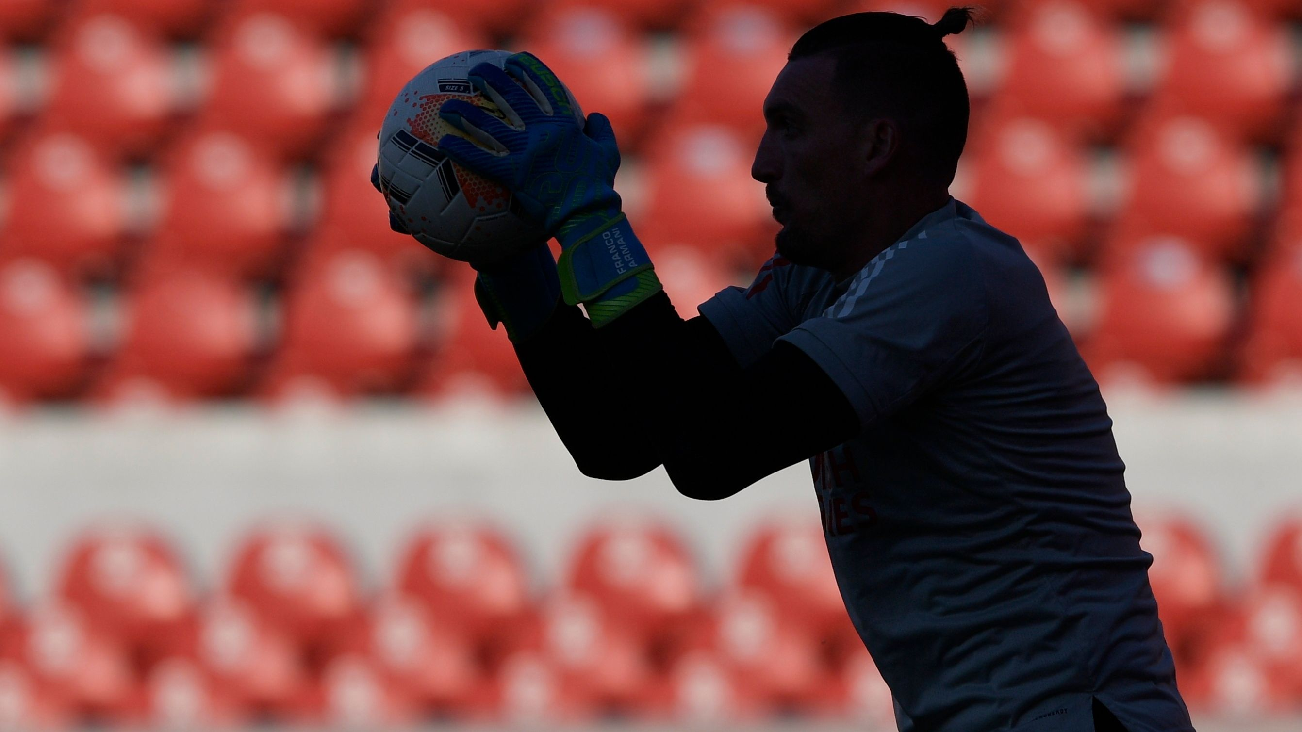 River deberá jugar en la Copa Libertadores con un futbolista de campo en el arco (Foto: Reuters)
