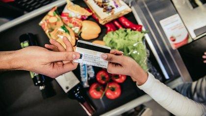 El traslado a precios de la devaluación duplicará el índice de inflación el mes próximo (Shutterstock)