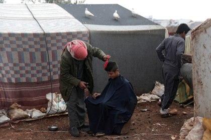 Más de 900.000 personas fueron desplazadas del noroeste de Siria (REUTERS/Khalil Ashawi)
