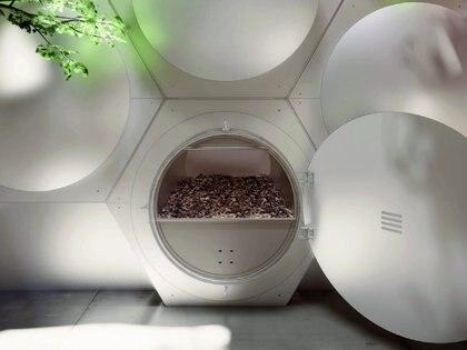 El modelo adapta el entierro verde pero se realiza en una cápsula hexagonal de acero. (Olson Kundig/Recompose)