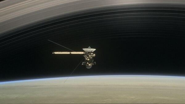 Recreación de la sonda Cassini viajando por la órbita de Saturno (NASA)
