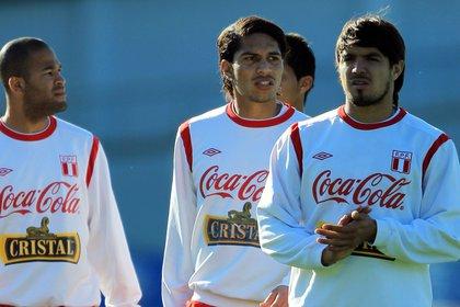 File image of Brazilian international striker Paolo Guerrero (c).  EFE / Cézaro De Luca / Archive
