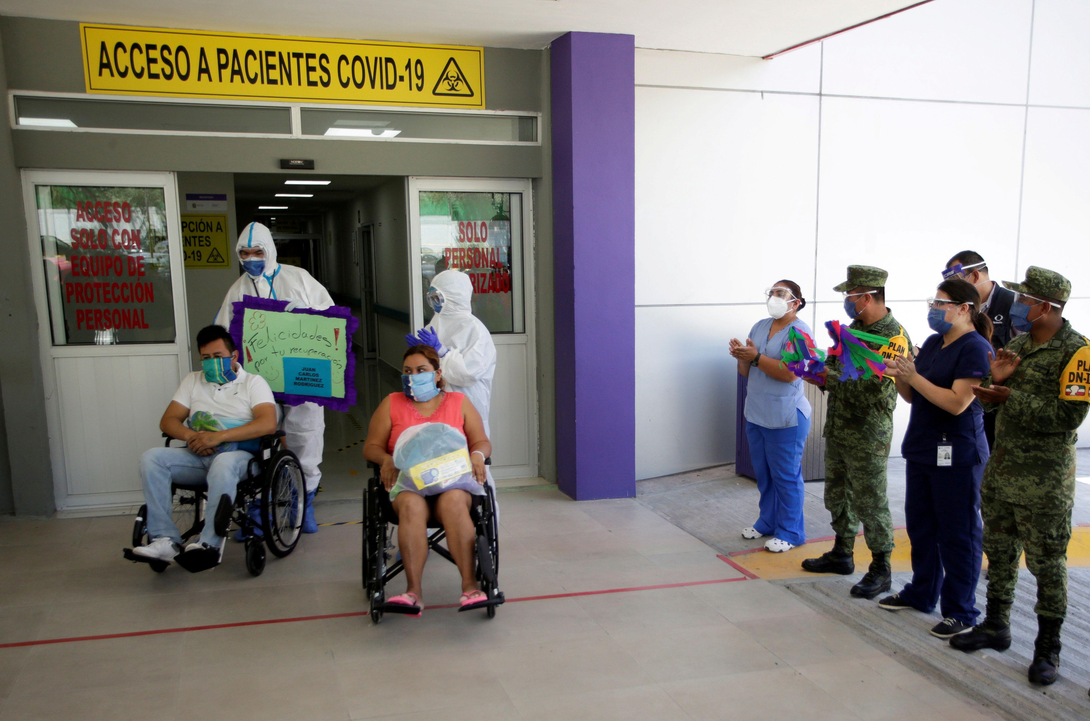 AMIS registró que los pacientes atendidos en hospitales privados han gastado 2,125 millones de pesos. De ese total de pacientes 64% son hombres y 36% mujeres. El 49% de las indemnizaciones se destaca en el grupo de 40 a 59 años. (Foto: REUTERS/Daniel Becerril)