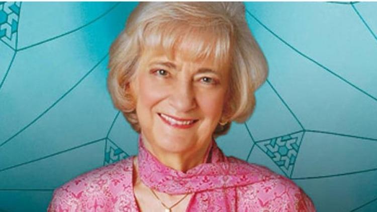 """La astróloga Lily Sülloscompró una quinta en Exaltación de la Cruz porque tenía una pileta de natación circular: """"Ideal para los Ovnis"""", decía"""