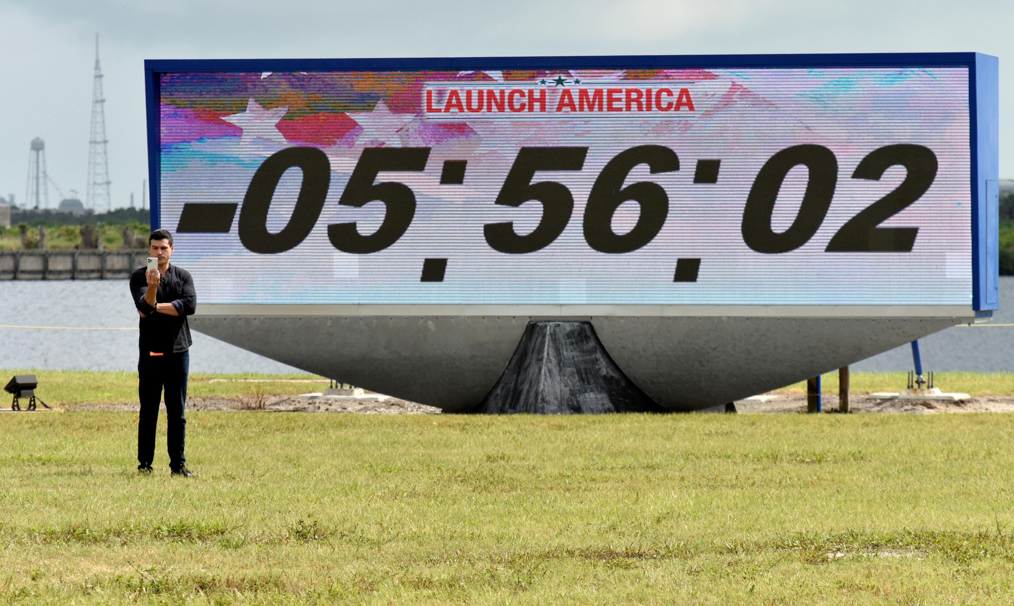 Cómo seguir en vivo la histórica primera misión tripulada de la NASA con una cápsula de SpaceX - Infobae