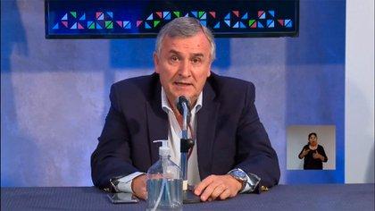 """Esta noche Gerardo Morales dio una conferencia de prensa y pidió: """"Aguanten en sus casas"""""""