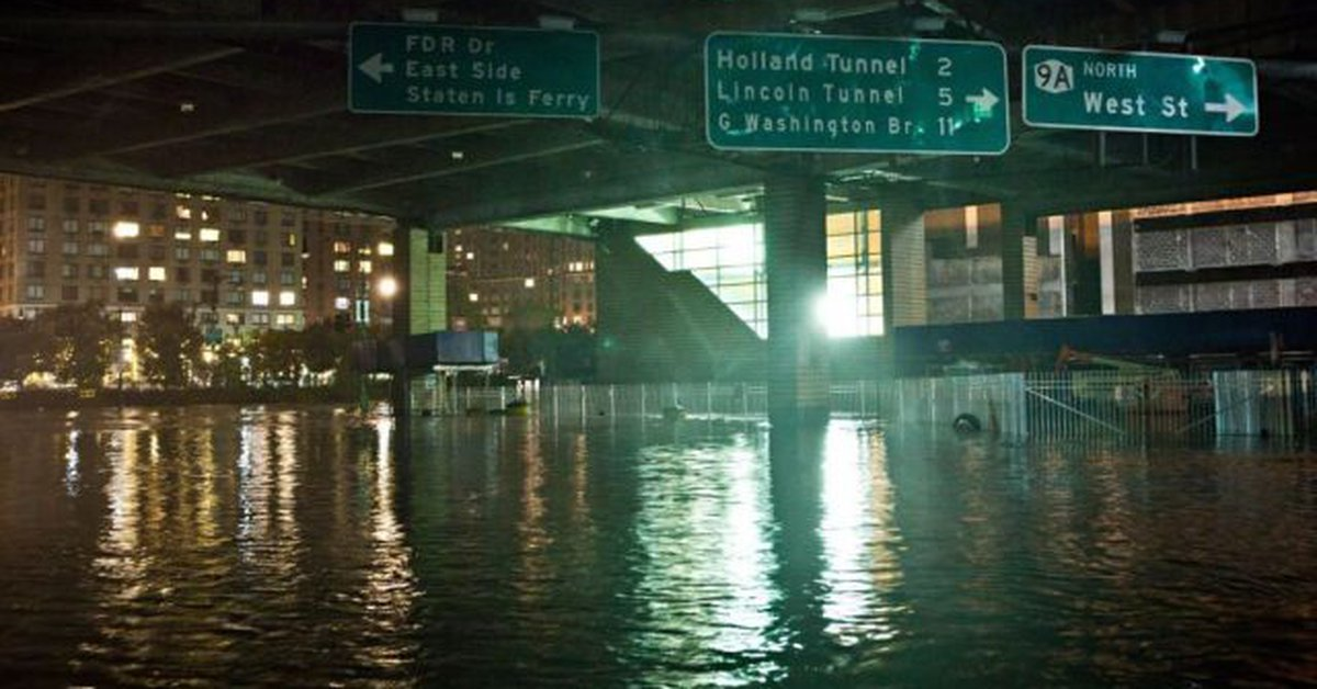 Several floods registered in New York before the approach of Storm Elsa